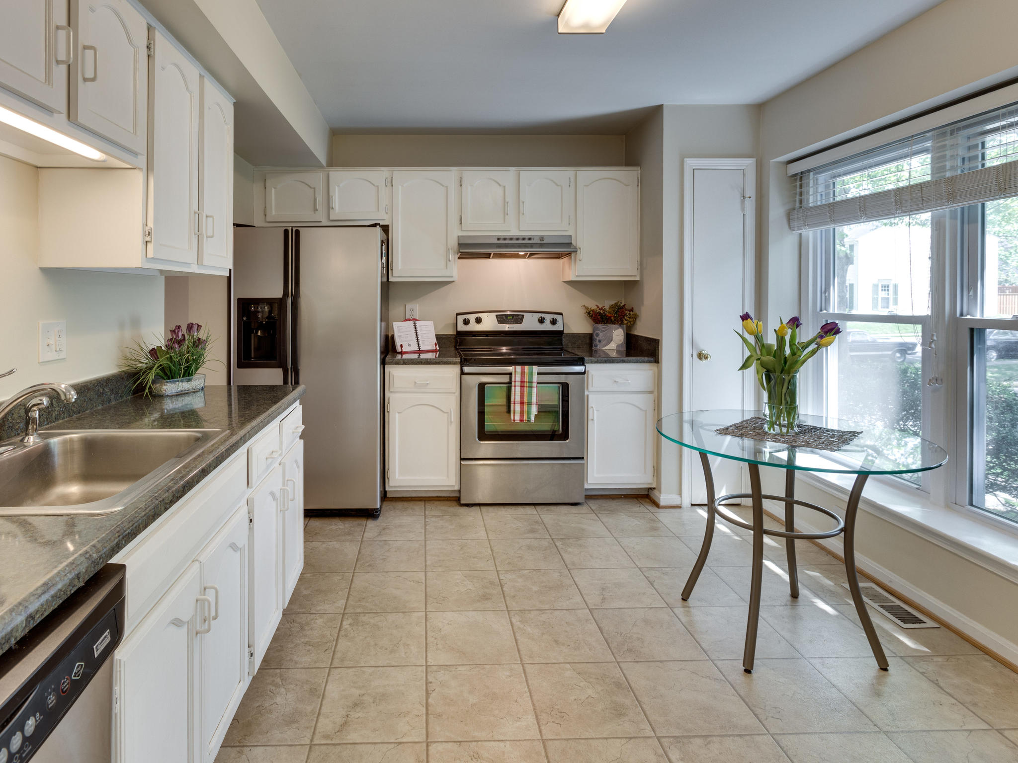 3983 Bradwater St Fairfax VA-MLS_Size-005-27-Kitchen-2048x1536-72dpi