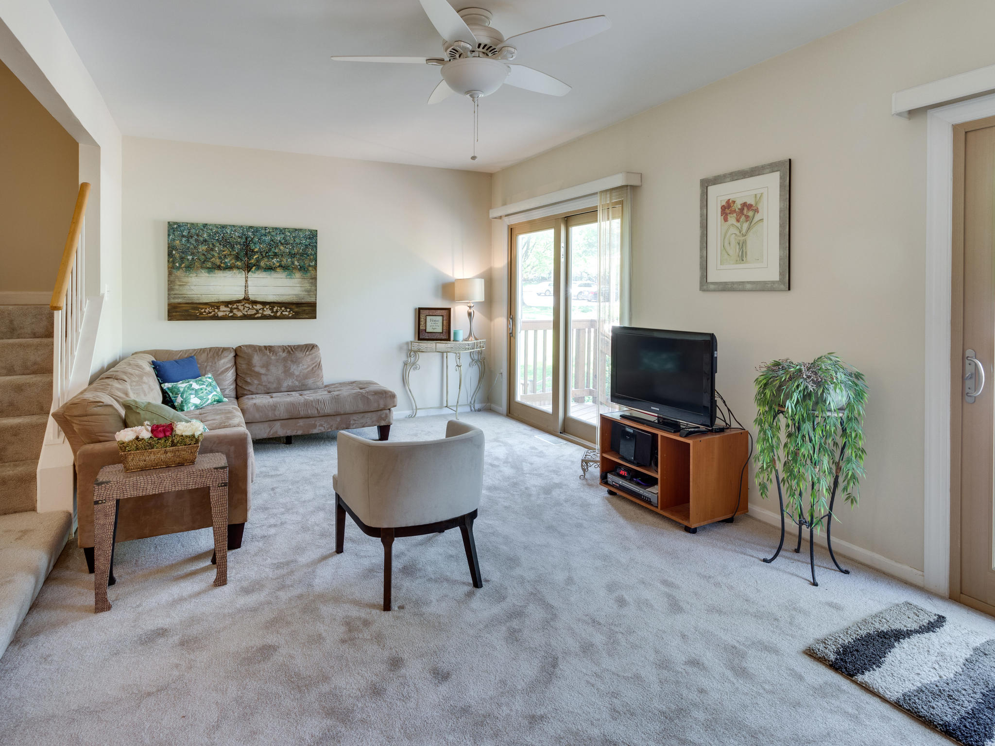 3983 Bradwater St Fairfax VA-MLS_Size-011-25-Living Room-2048x1536-72dpi